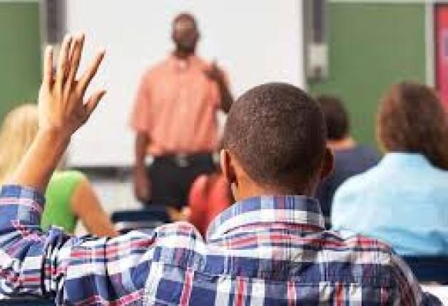 OS DESAFIOS DOS PROFESSORES NEGROS NA EDUCAÇÃO BRASILEIRA