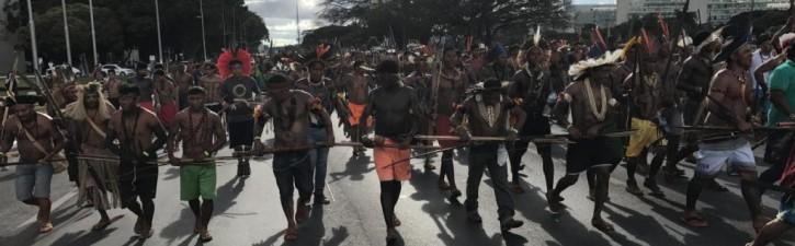 Índios, direitos humanos e democracia no Brasil