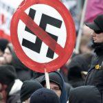Pisadas na bola com saudações nazistas em plena Copa do Mundo